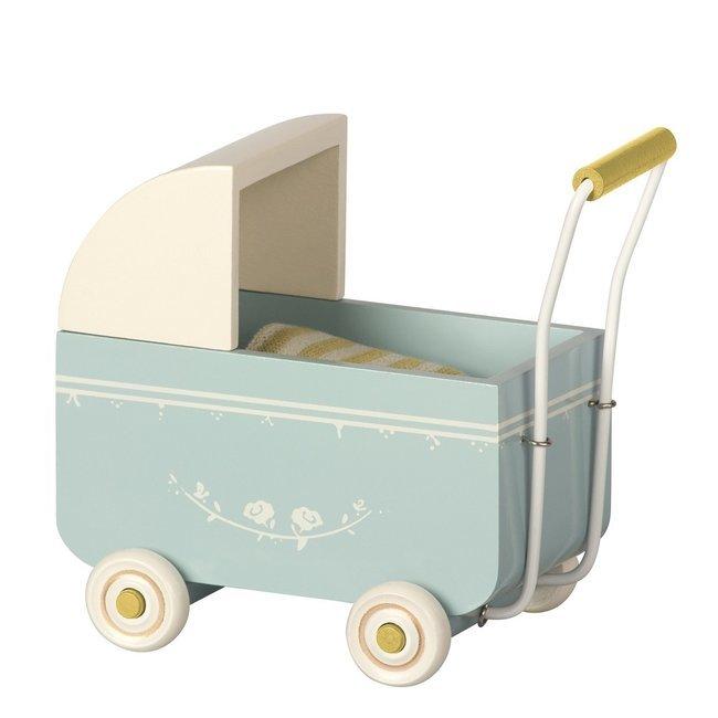 maileg mini landau pour b b en bois bleu. Black Bedroom Furniture Sets. Home Design Ideas